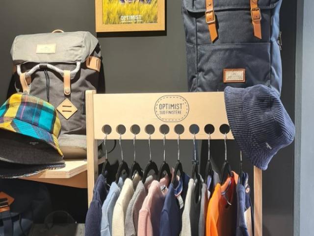 accessoires vêtements à retrouver en Boutique
