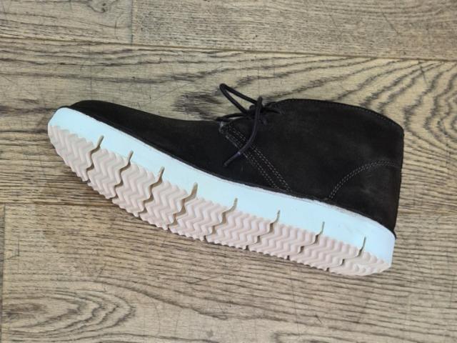 chaussure sheperd 100% naturel cuir laine de mouton .