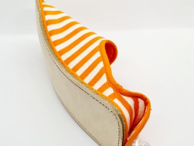 la pantoufle du Berry fabrication française méthode artisanal .modèle esp cuir