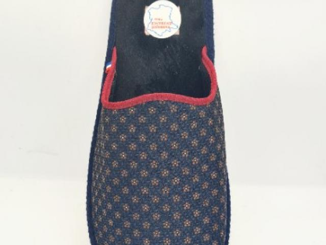 charentaises made in France ( la pantoufle du berry) matières 100%naturelles.