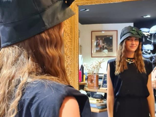 chapeaux de pluie Aurega un vrai savoir faire artisanal .