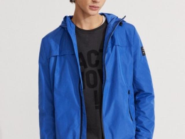veste coupe vent recyclée  Ecoalf ( model dalven )